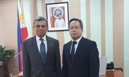 High Commissioner of India calls on Philippine Ambassador to Singapore